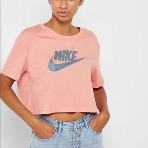 Nike Cropped Short Sleeve Peach Sz M